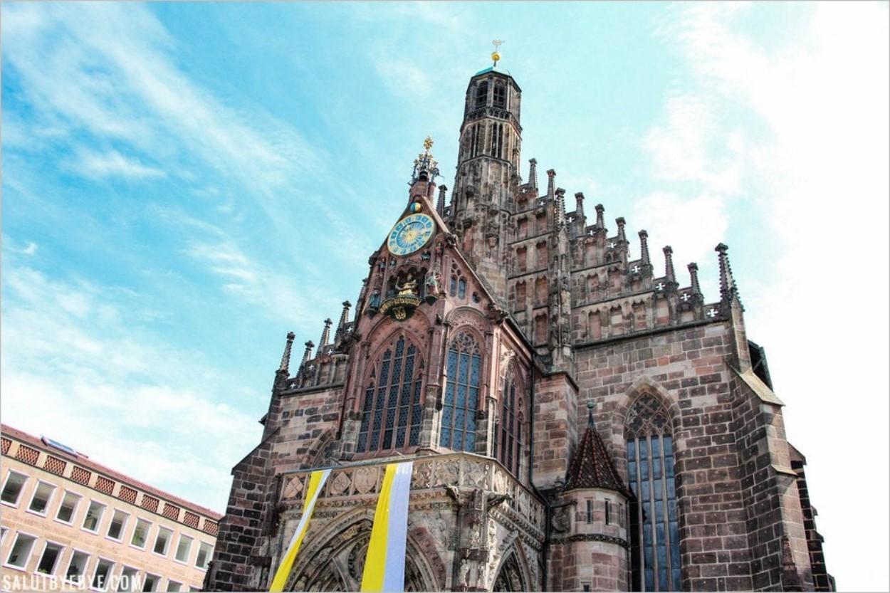 La Frauenkirche (Church of our Lady) de Nuremberg