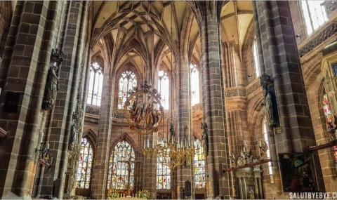 Églises de Nuremberg : l'histoire pas très divine de la Frauenkirche et de la Lorenzkirche !
