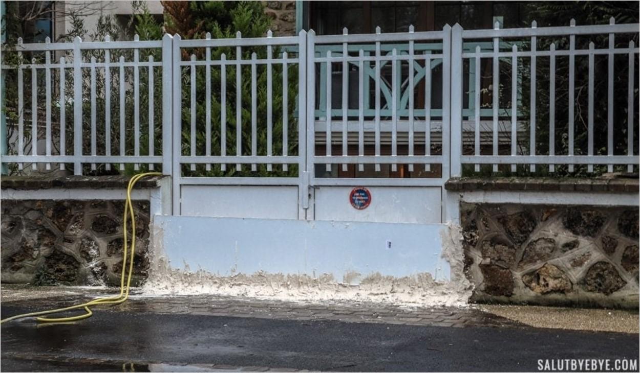 Un portail muré contre la montée des eaux de la Marne