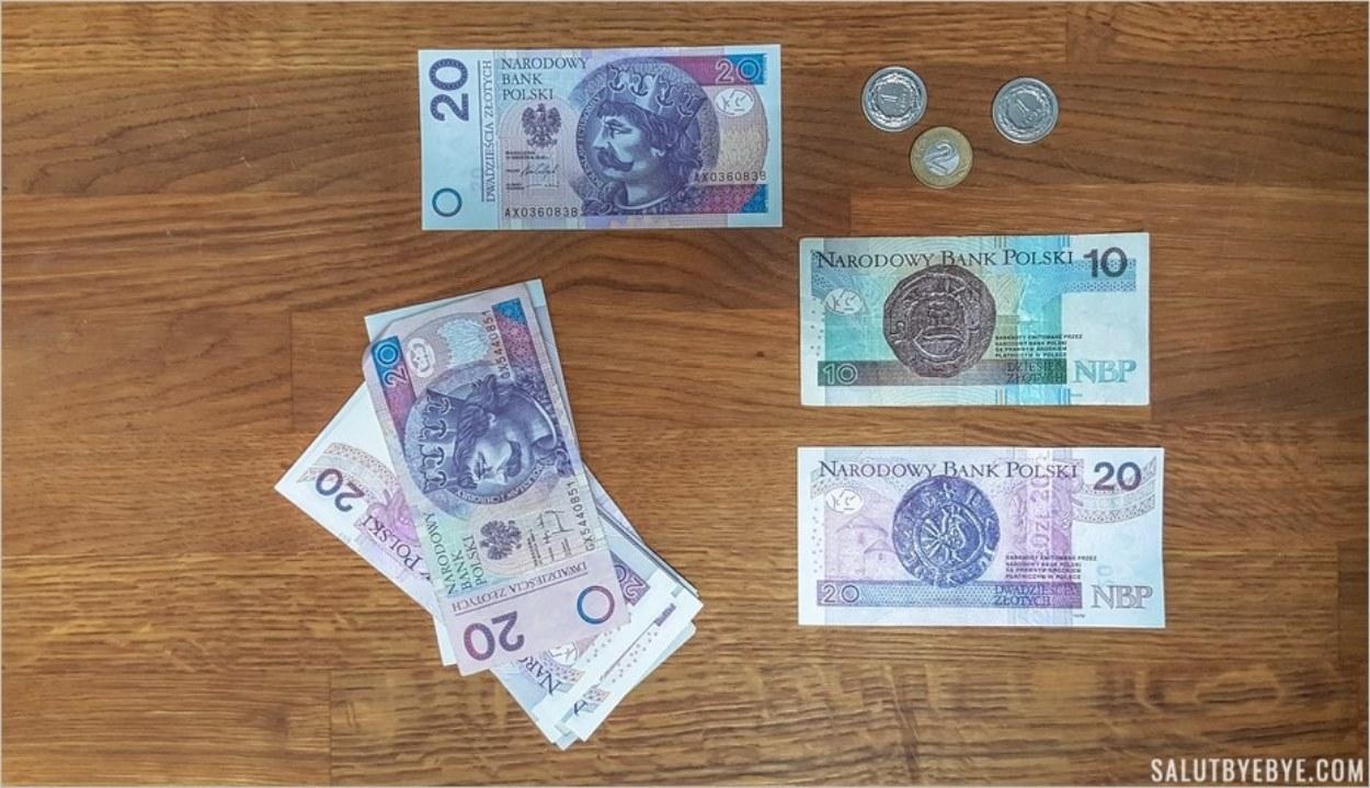 Des zlotys, la monnaie polonaise