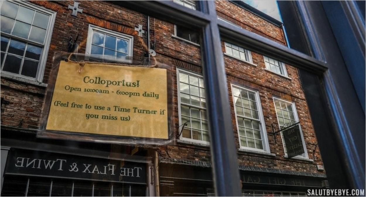 Pancarte Harry Potter sur les Shambles à York