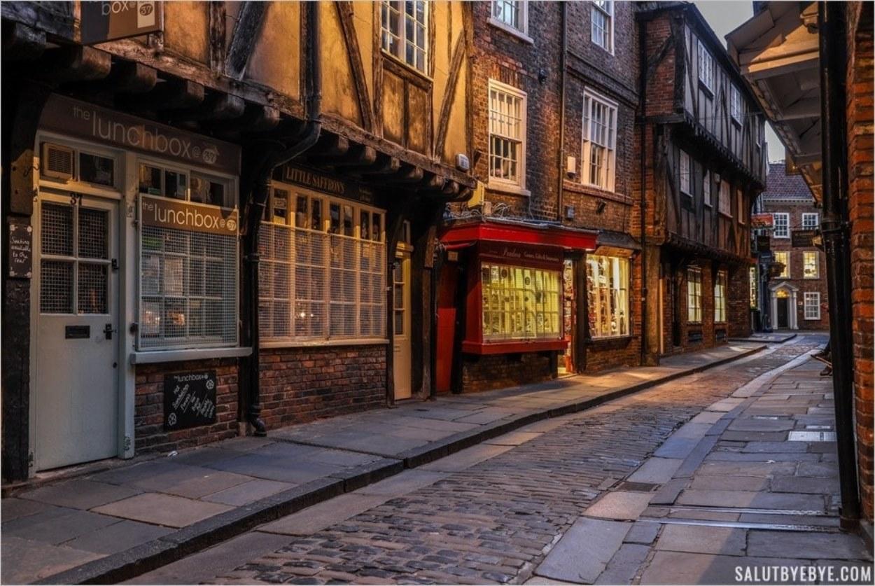 Les Shambles à York en soirée
