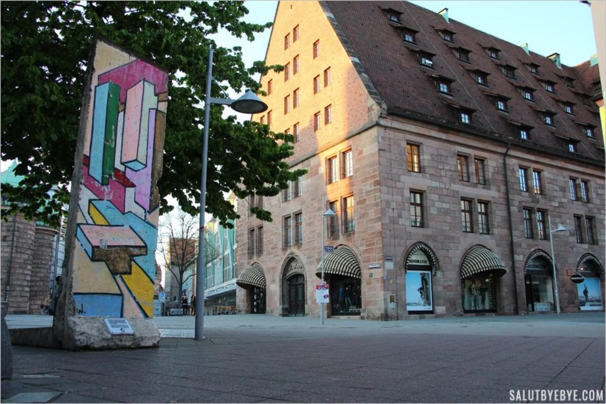 A Nuremberg, un morceau du mur de Berlin