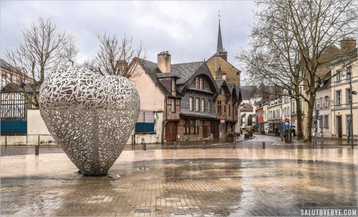 Sculpture Le Coeur de Troyes