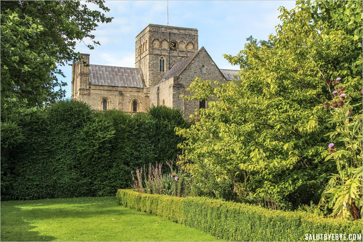 Le jardin de l'Hospice Sainte-Croix à Winchester