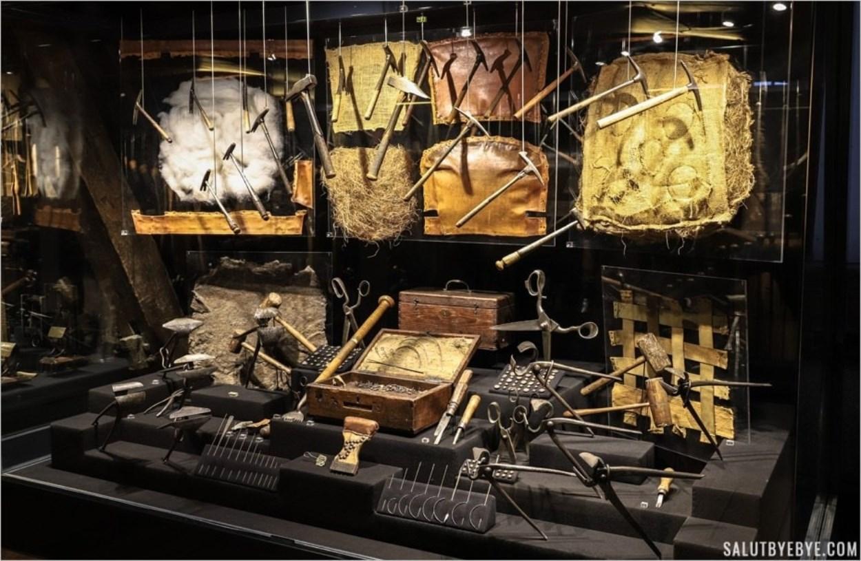 Maison de l'Outil et de la Pensée Ouvrière - Métiers anciens : le tapissier