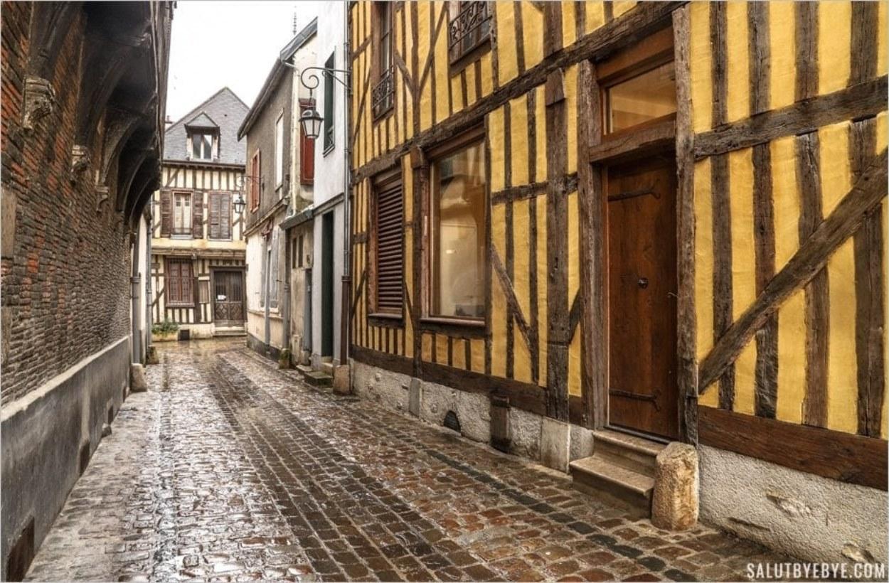 Le Bouchon de Champagne à Troyes - Rue Vauluisant
