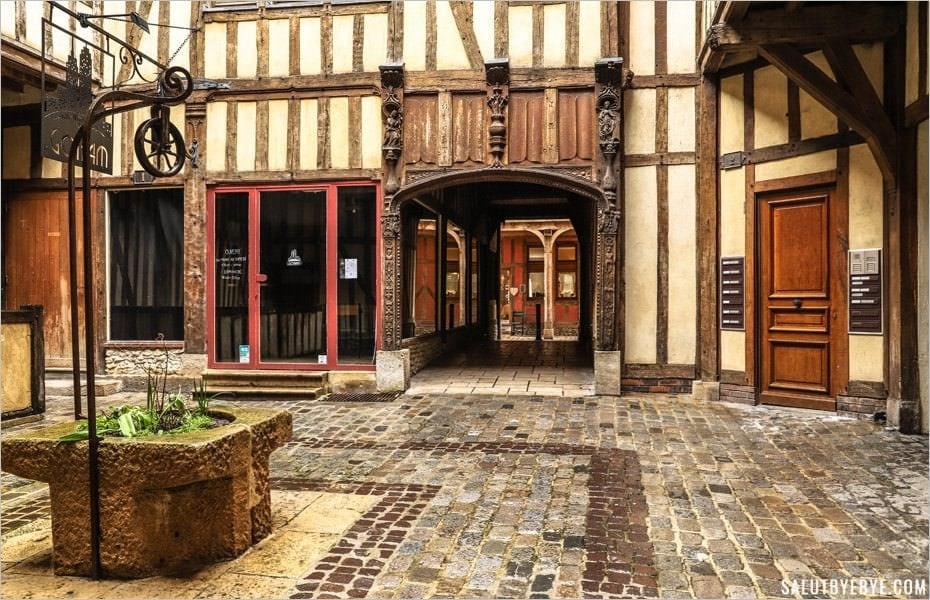 Cour du Mortier d'Or - Troyes