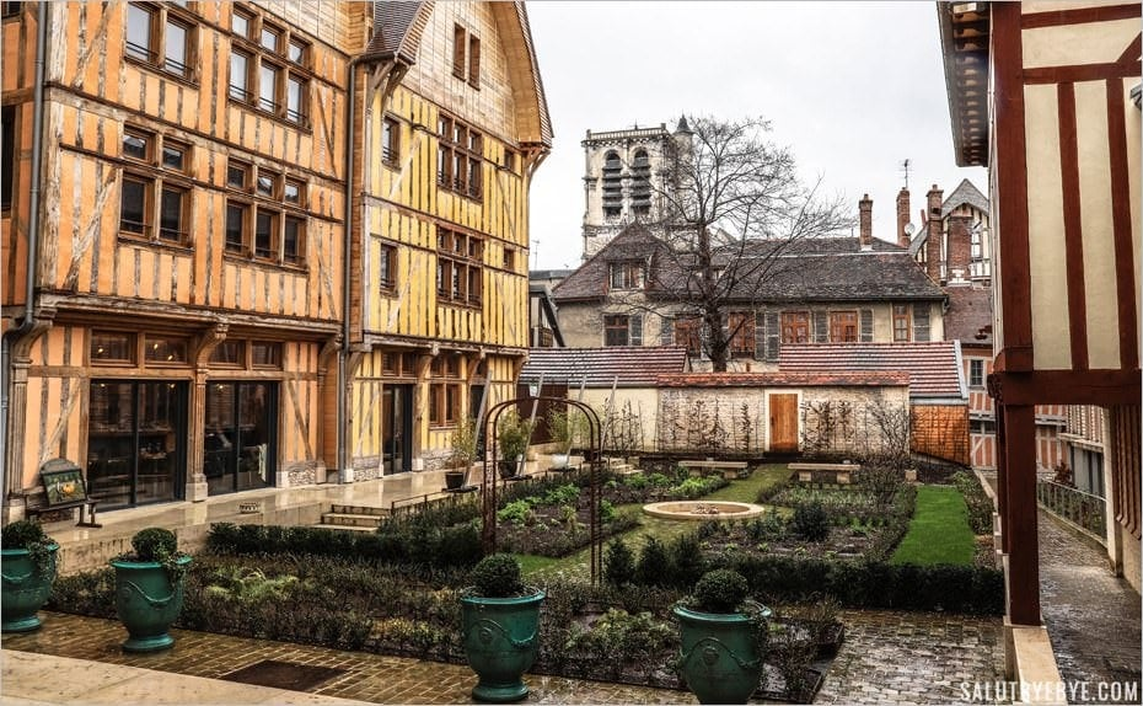 Le jardin Juvénal des Ursins - Troyes