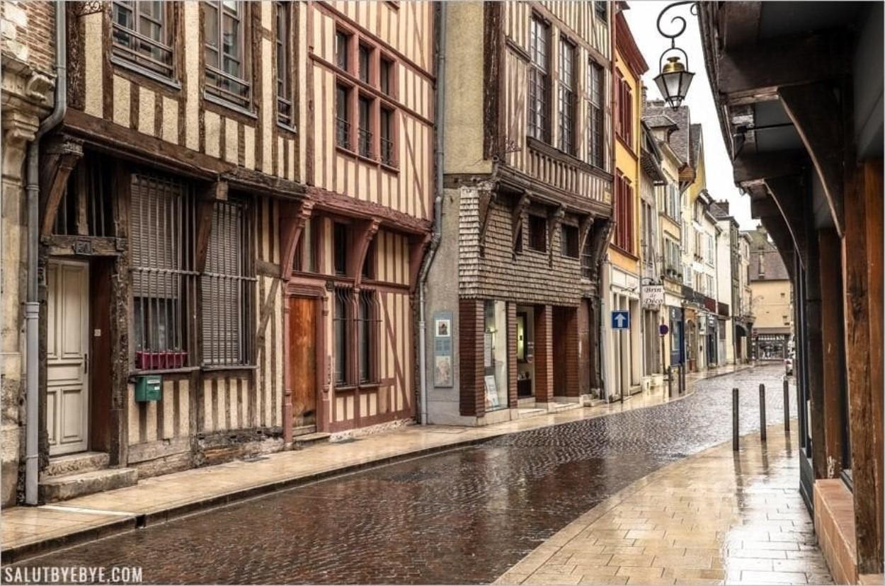 Rue de la Monnaie à Troyes