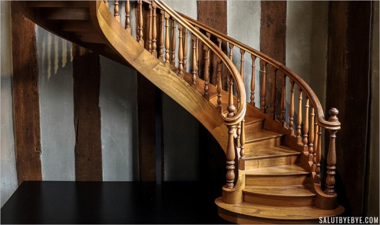 Escalier exposé à la MOPO de Troyes