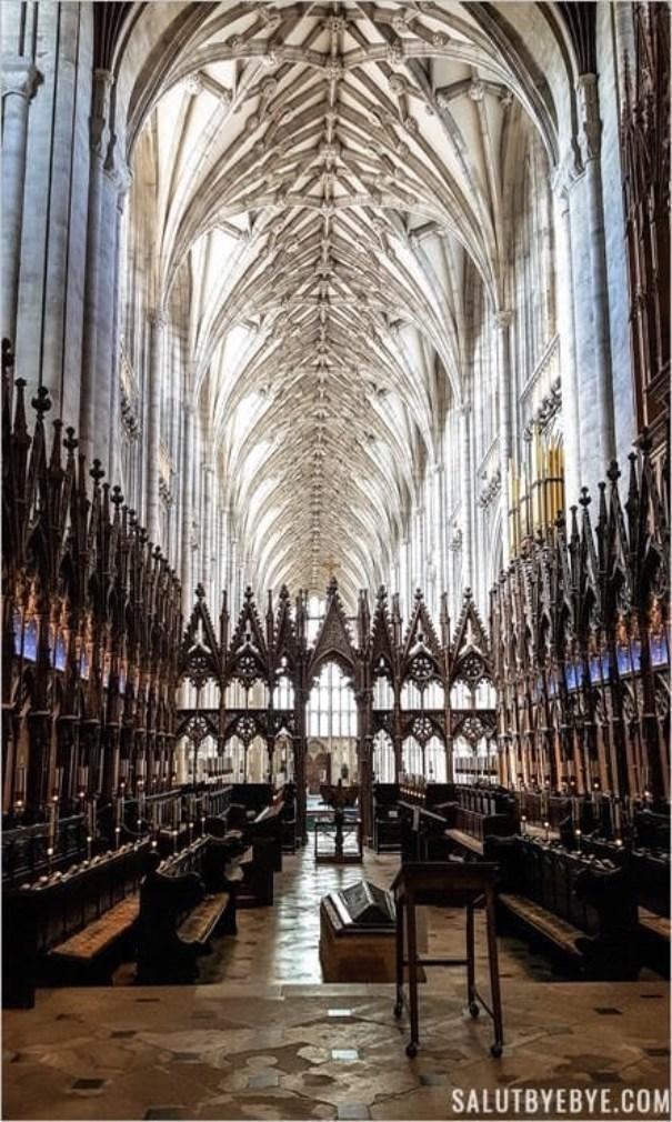 Intérieur de la cathédrale de Winchester en Angleterre