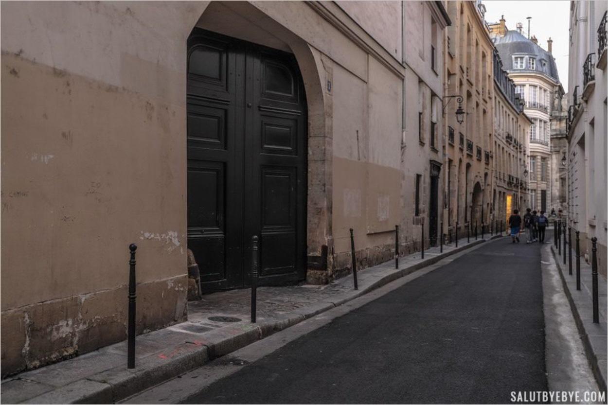 Rue Aubriot dans le quartier du Marais à Paris