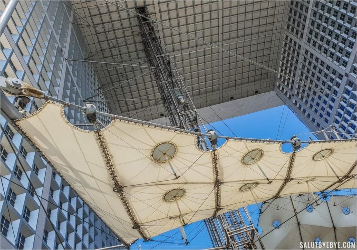 Les ascenseurs panoramiques de la Grande Arche