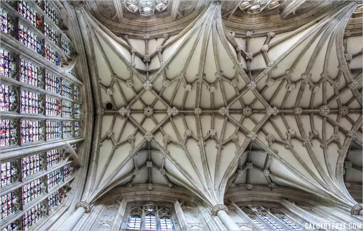 La Cathédrale de Winchester de l'intérieur… et sous les toits !