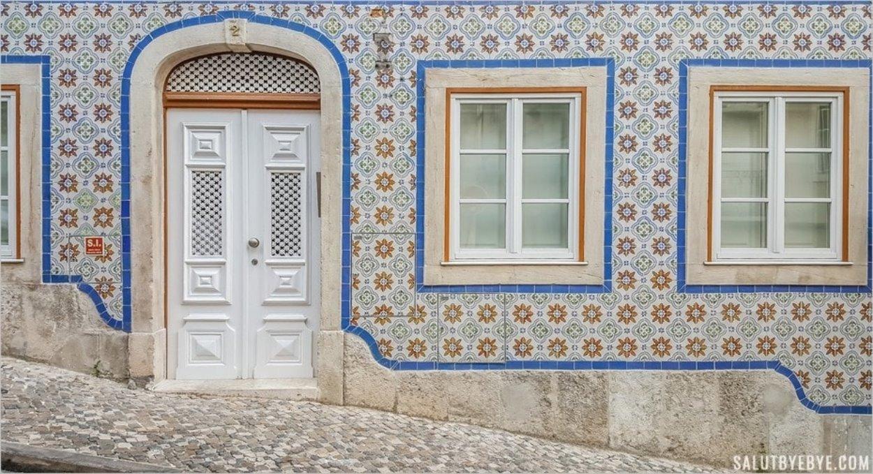 Façade en azulejos à Lisbonne