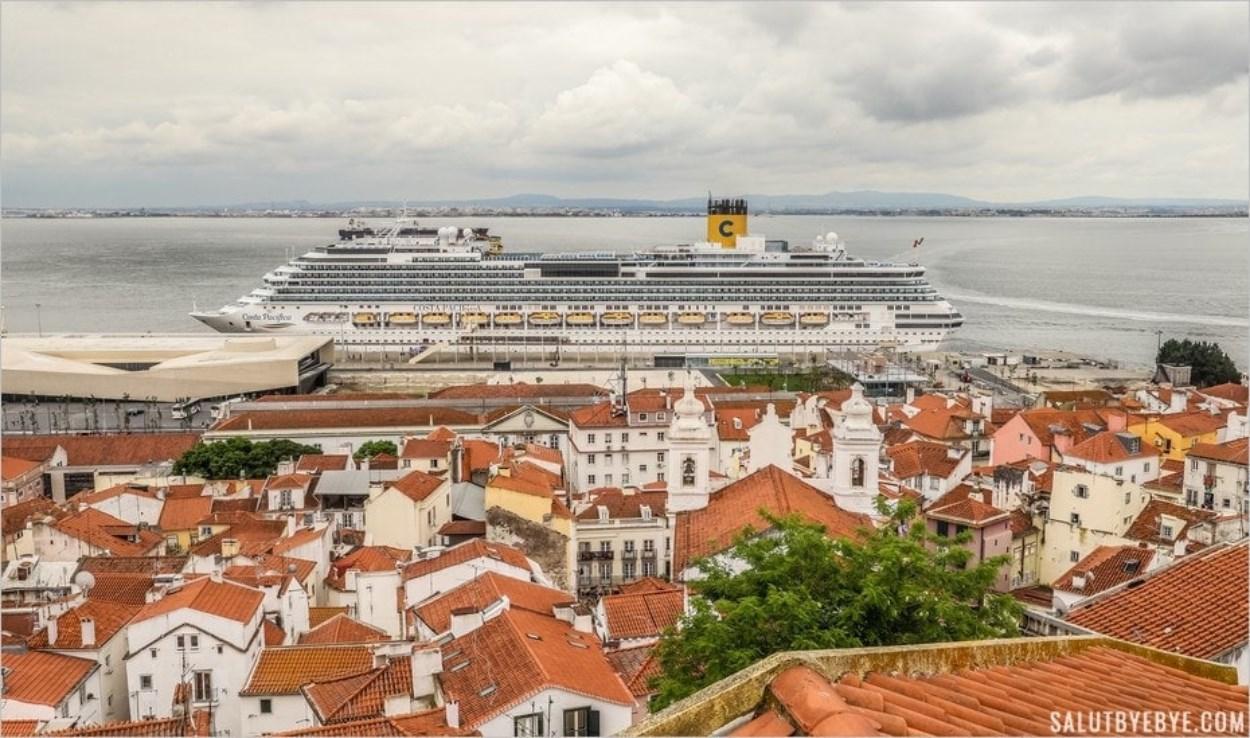 Le Costa Pacifica en escale à Lisbonne