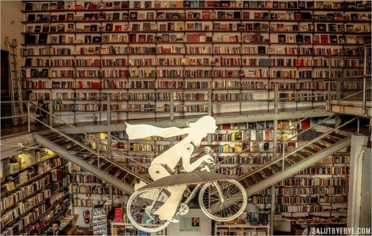 L'étonnante Livraria Ler Devagar à Lisbonne