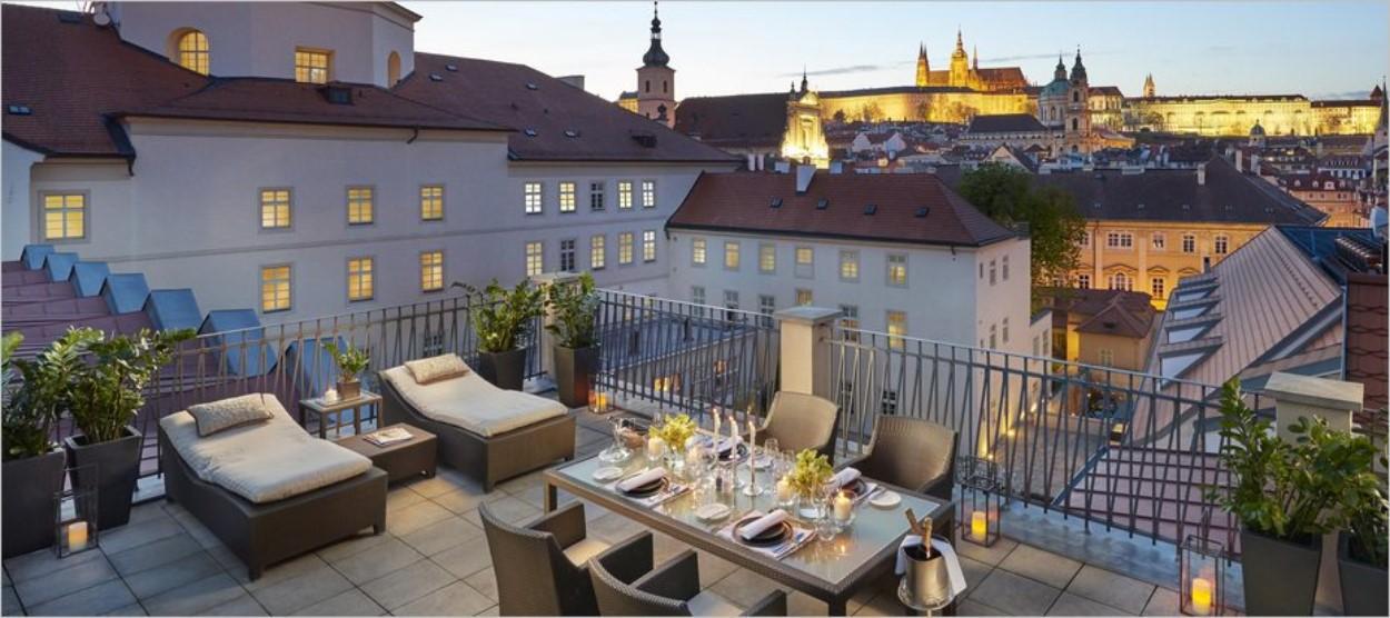Terrasse du Mandarin Oriental à Prague