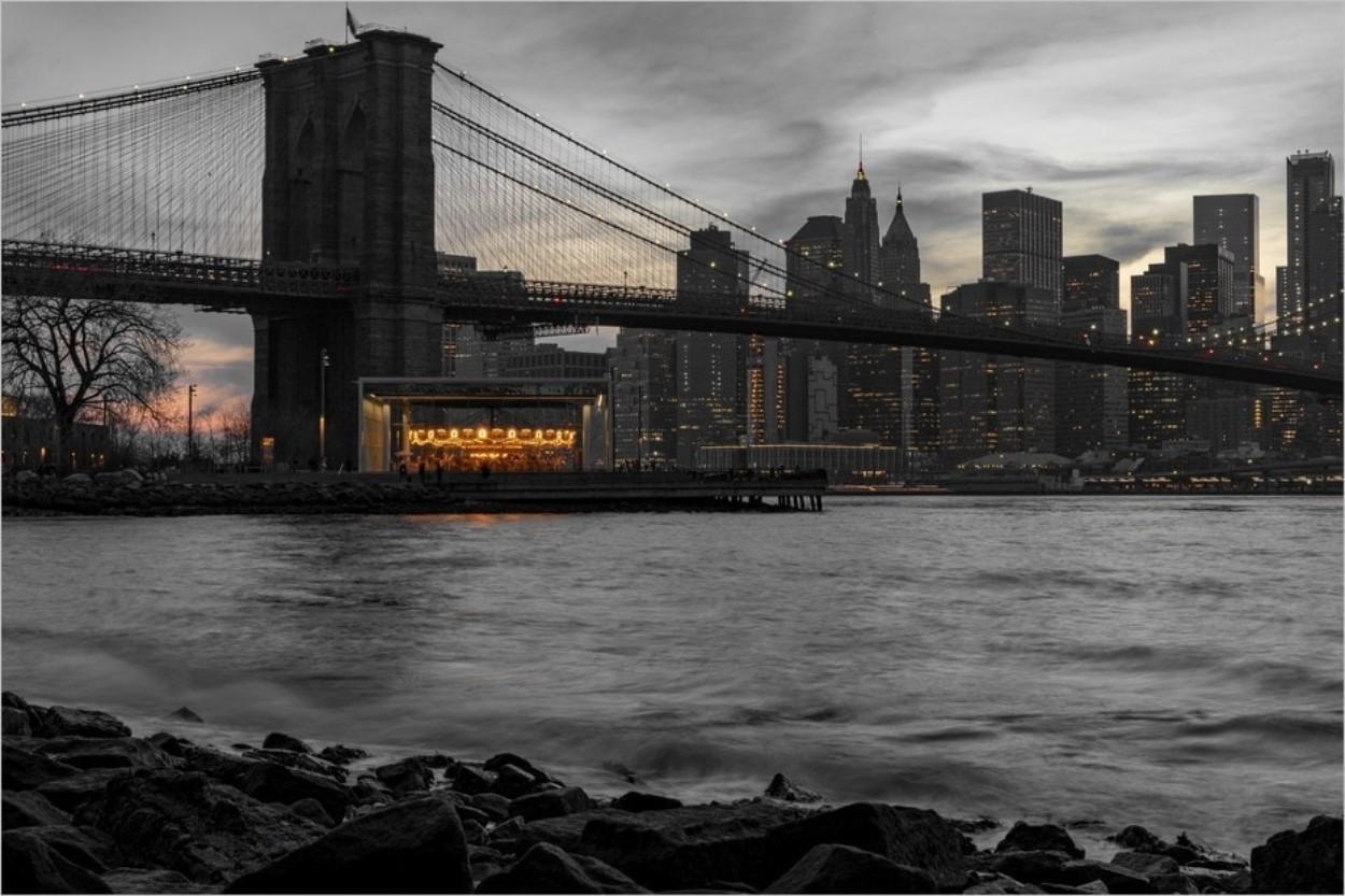 Vue du pont de Brooklyn depuis Dumbo