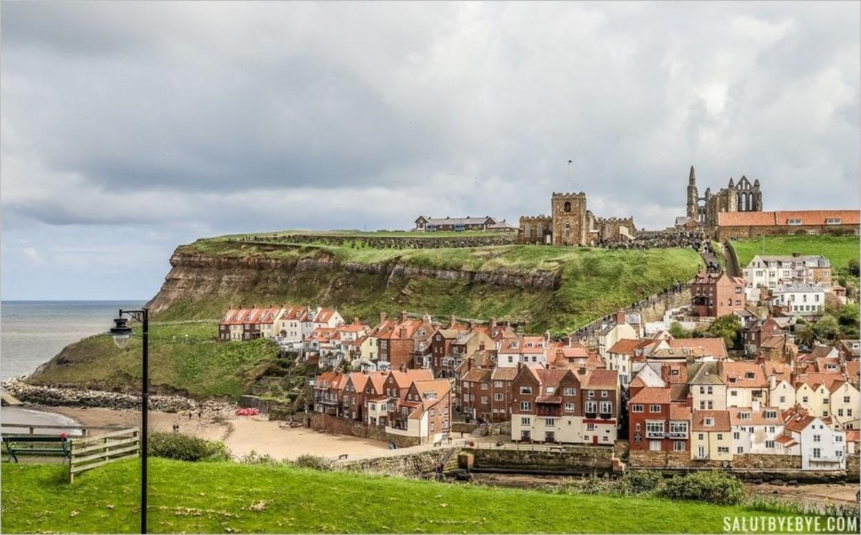 La jolie ville de Whitby dans le Yorkshire