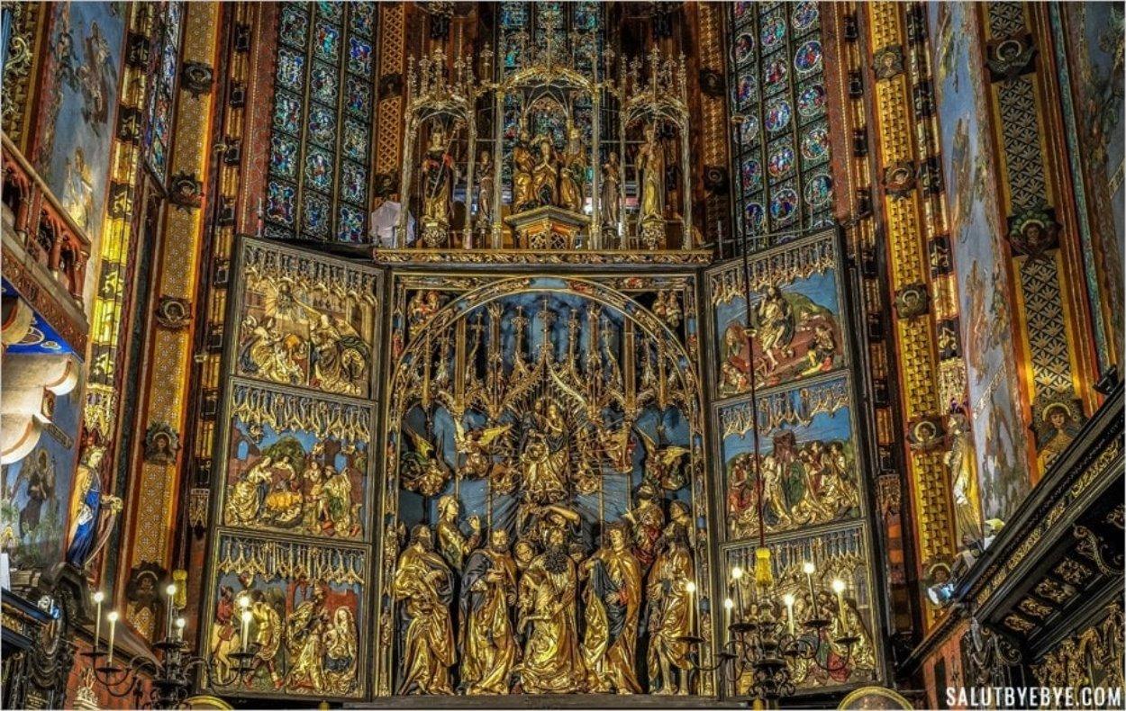 L'autel de Veit Stoss dans la basilique Sainte-Marie de Cracovie