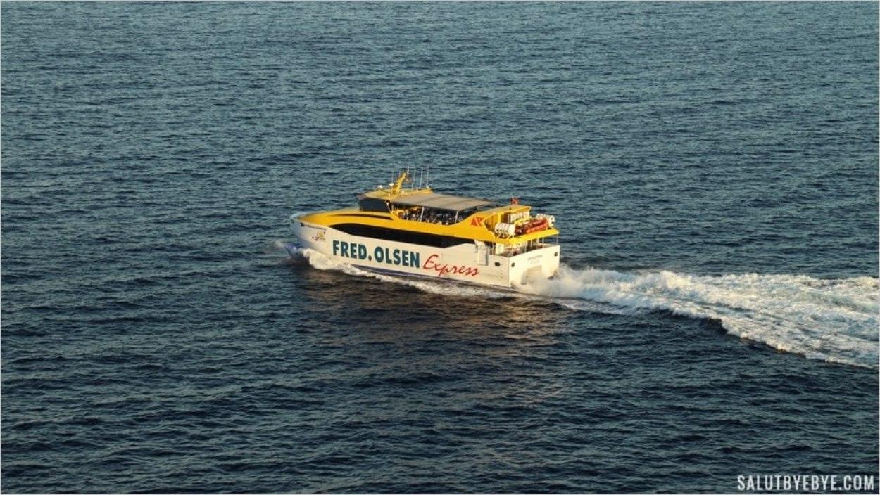 Benchi Express quittant Playa de Santiago à La Gomera