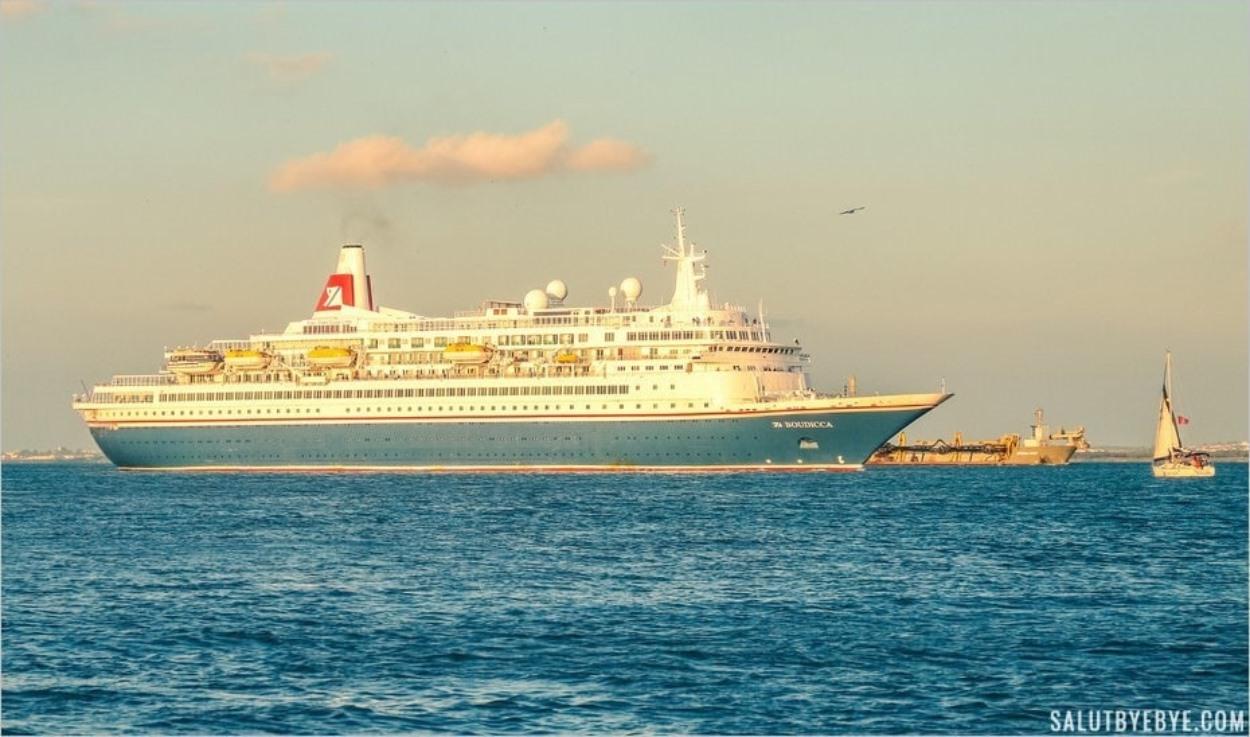 MV Boudicca sur le Tage à Lisbonne