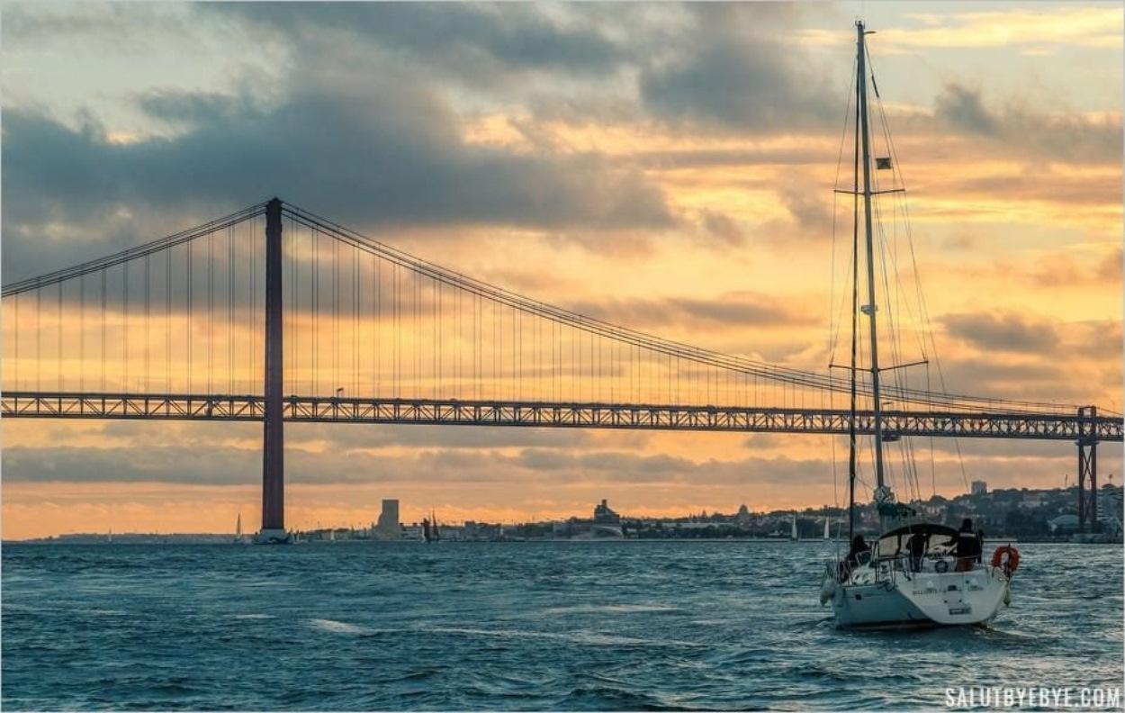 Croisière sur le Tage au coucher du soleil : un moment magique à Lisbonne
