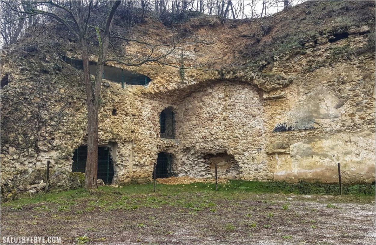La caserne du Fort de Sucy dynamitée par les Allemands