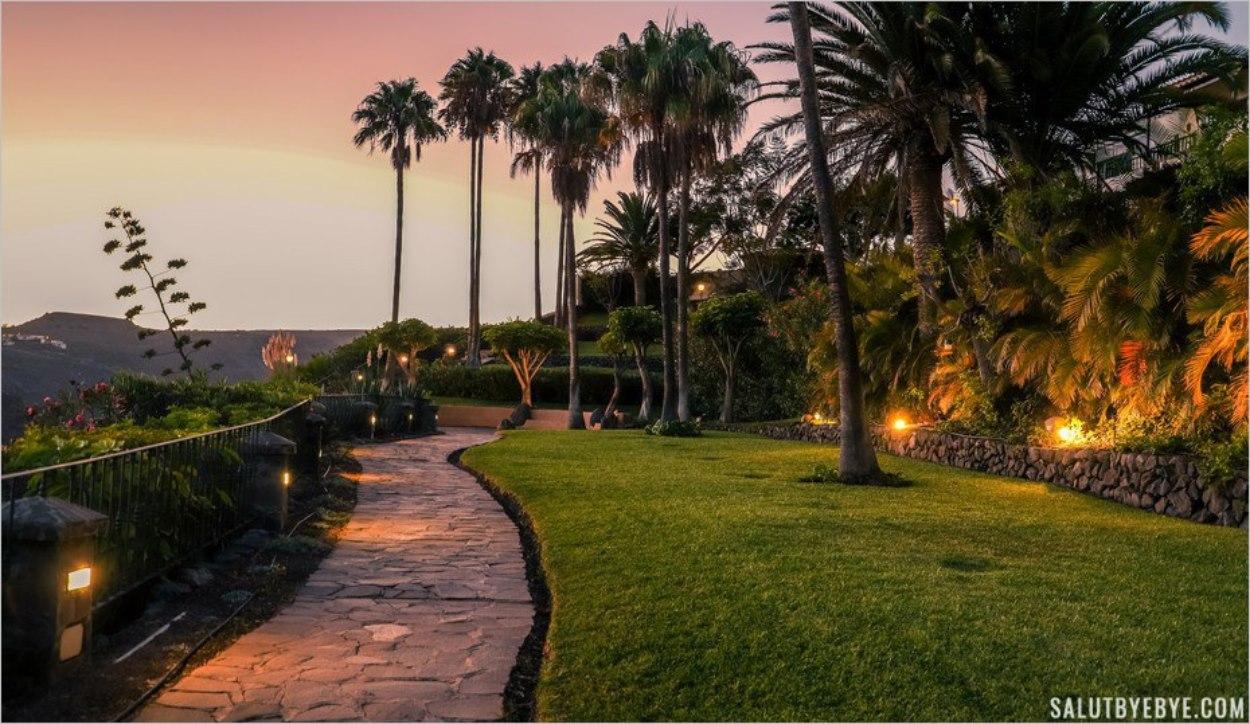 L'hôtel Jardin Tecina de nuit