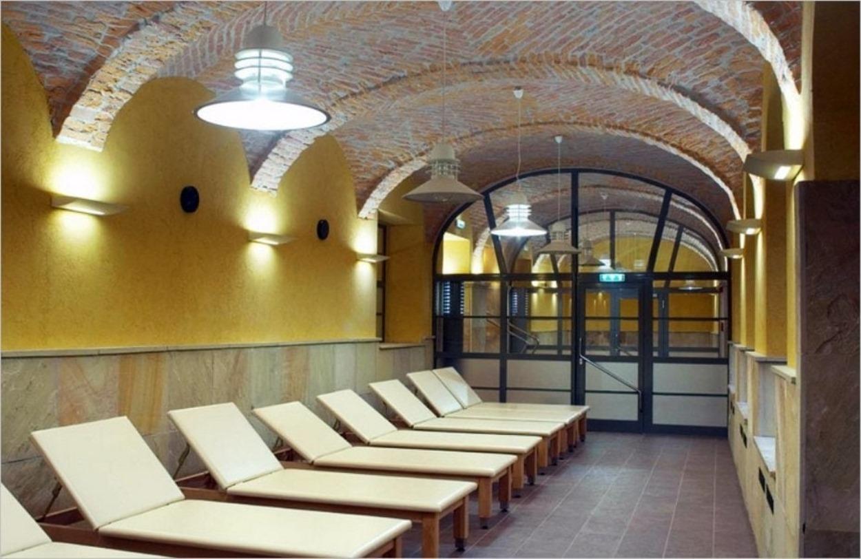Salle de repos dans les bains Rudas à Budapest