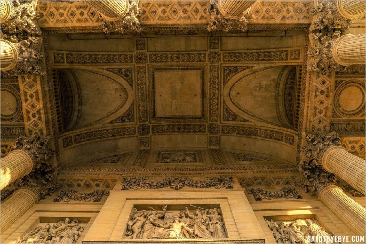 Entrée du Panthéon de Paris