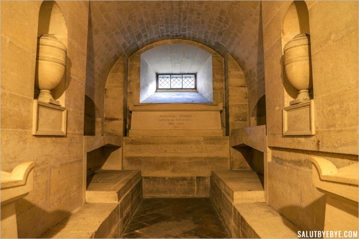 Tombe d'Alexandre Dumas au Panthéon