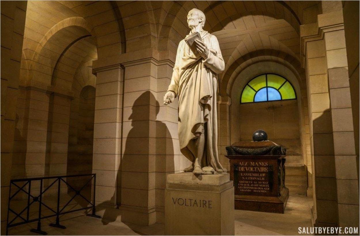 Tombe de Voltaire au Panthéon de Paris