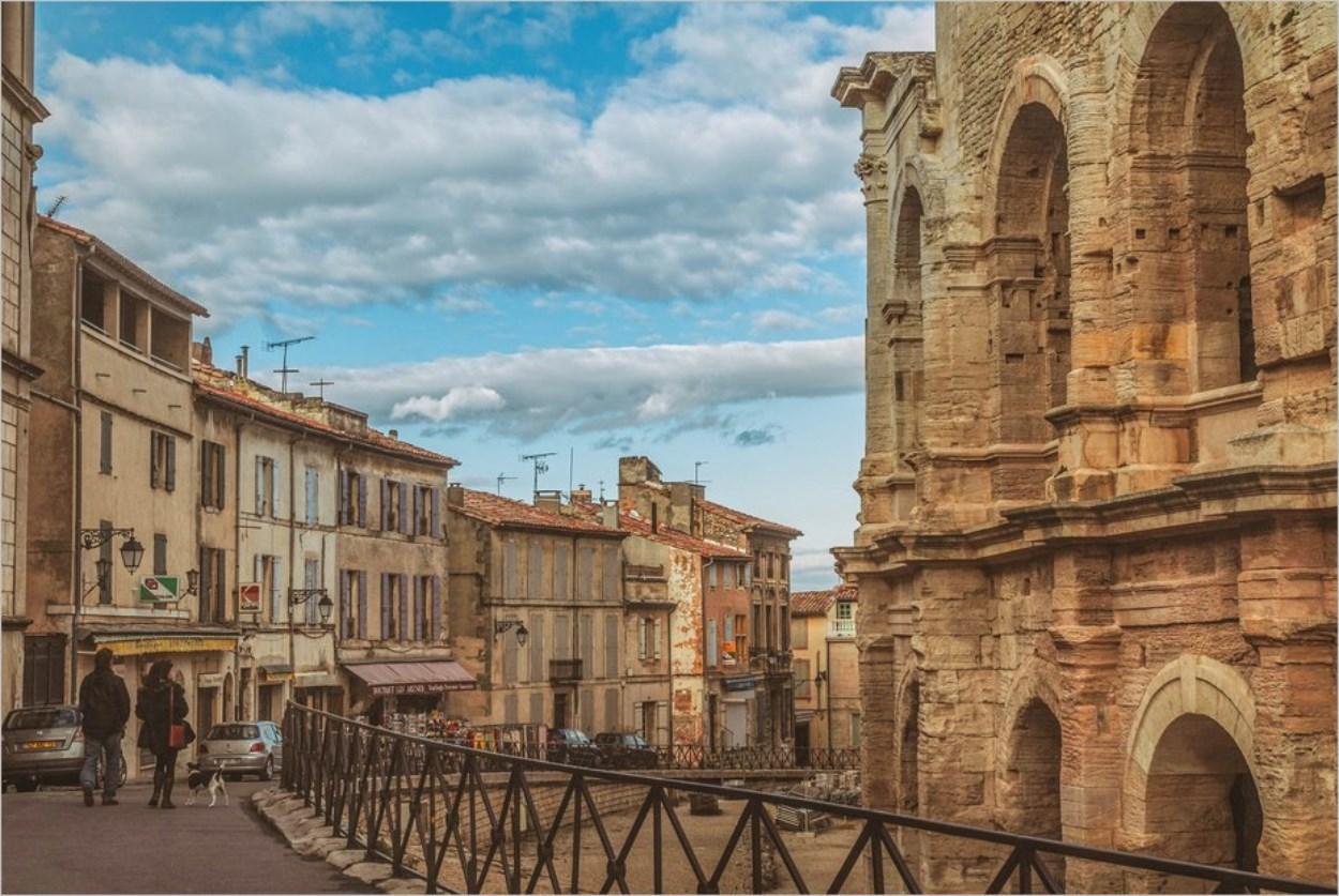 Visiter Arles sans voiture