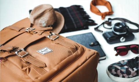 Que mettre dans son bagage à main en avion pour voyager l'esprit tranquille ?