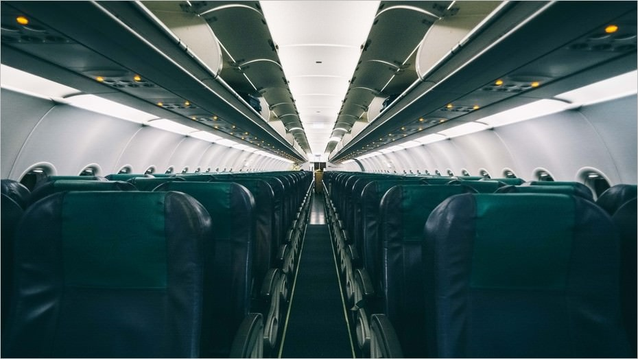En cabine dans l'avion