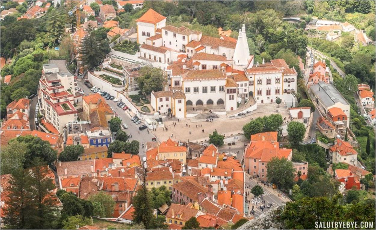 Vue aérienne de Sintra, avec le Palais national de Sintra