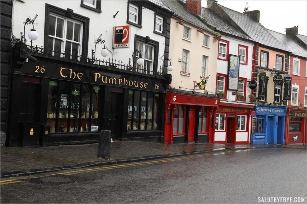 Les rues de Kilkenny sous la pluie
