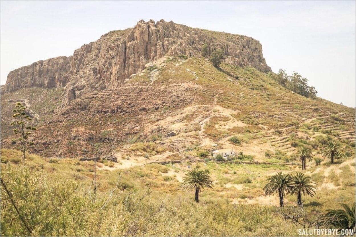 Au pied de la montagne sacrée de la Fortaleza