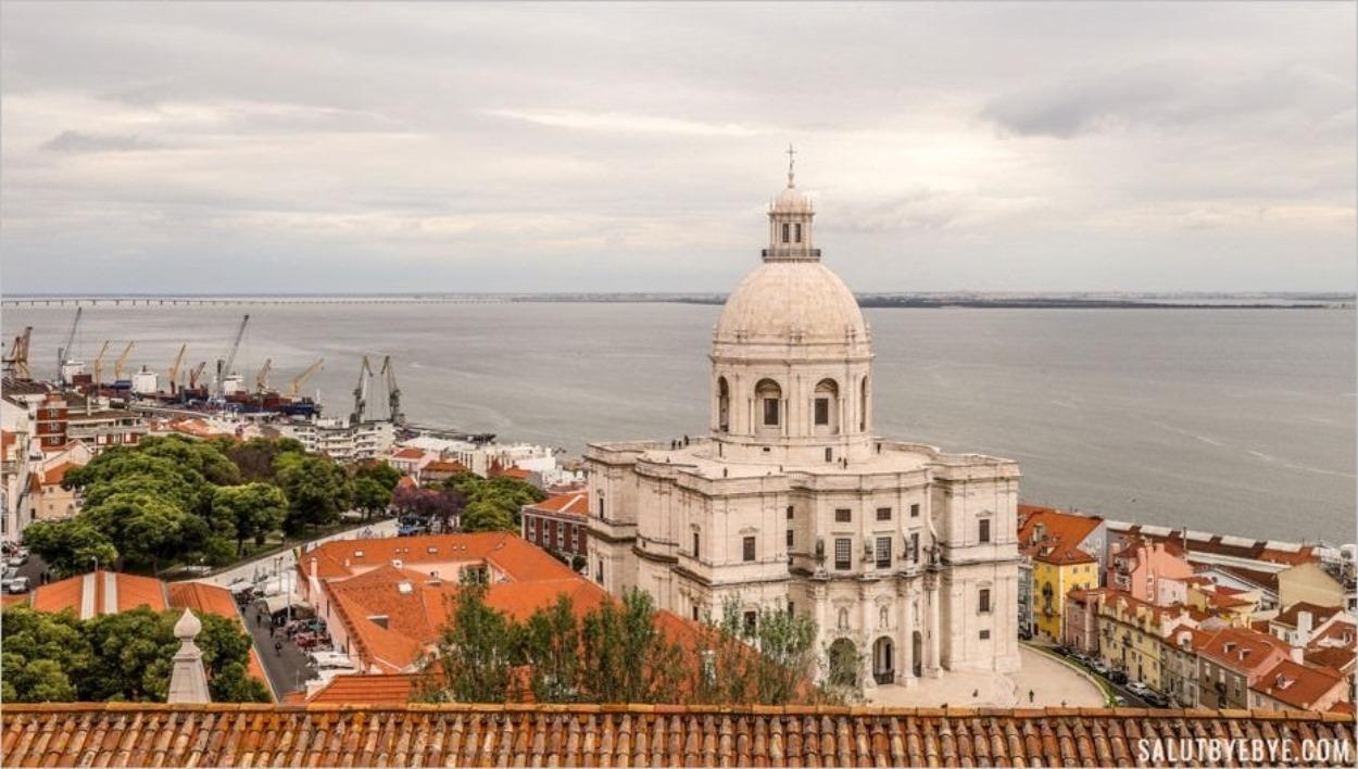Le toit du monastère São Vicente de Fora à Lisbonne