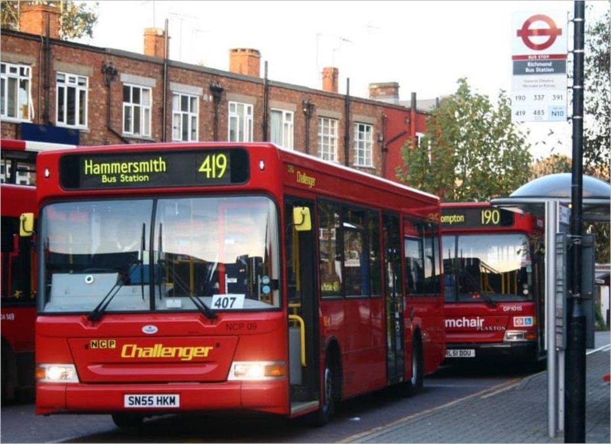 Arrêt de bus à Londres