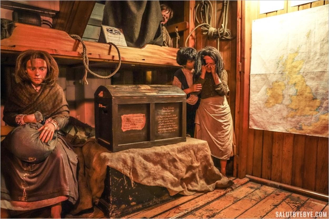 Les enfants à bord du voilier
