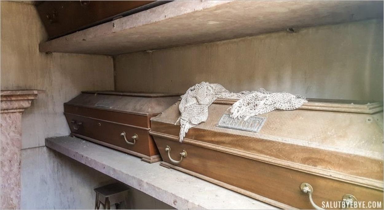 Les cercueils visibles des cimetières portugais