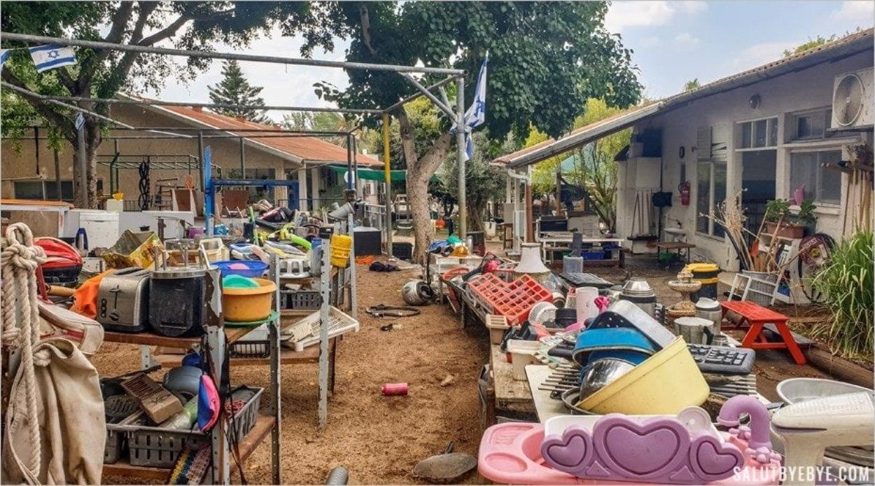 Une salle de jeux à ciel ouvert - Visite d'un kibboutz en Israël