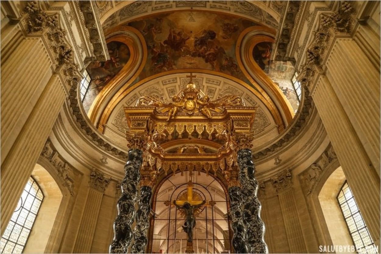 L'autel baroque de la chapelle royale