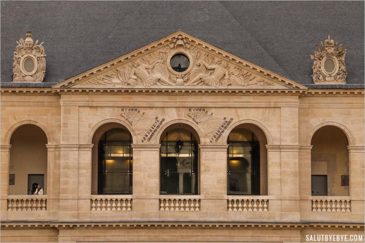 Détail d'une façade de l'hôtel des Invalides