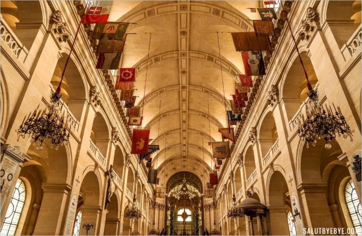 Intérieur de l'église Saint-Louis des Invalides