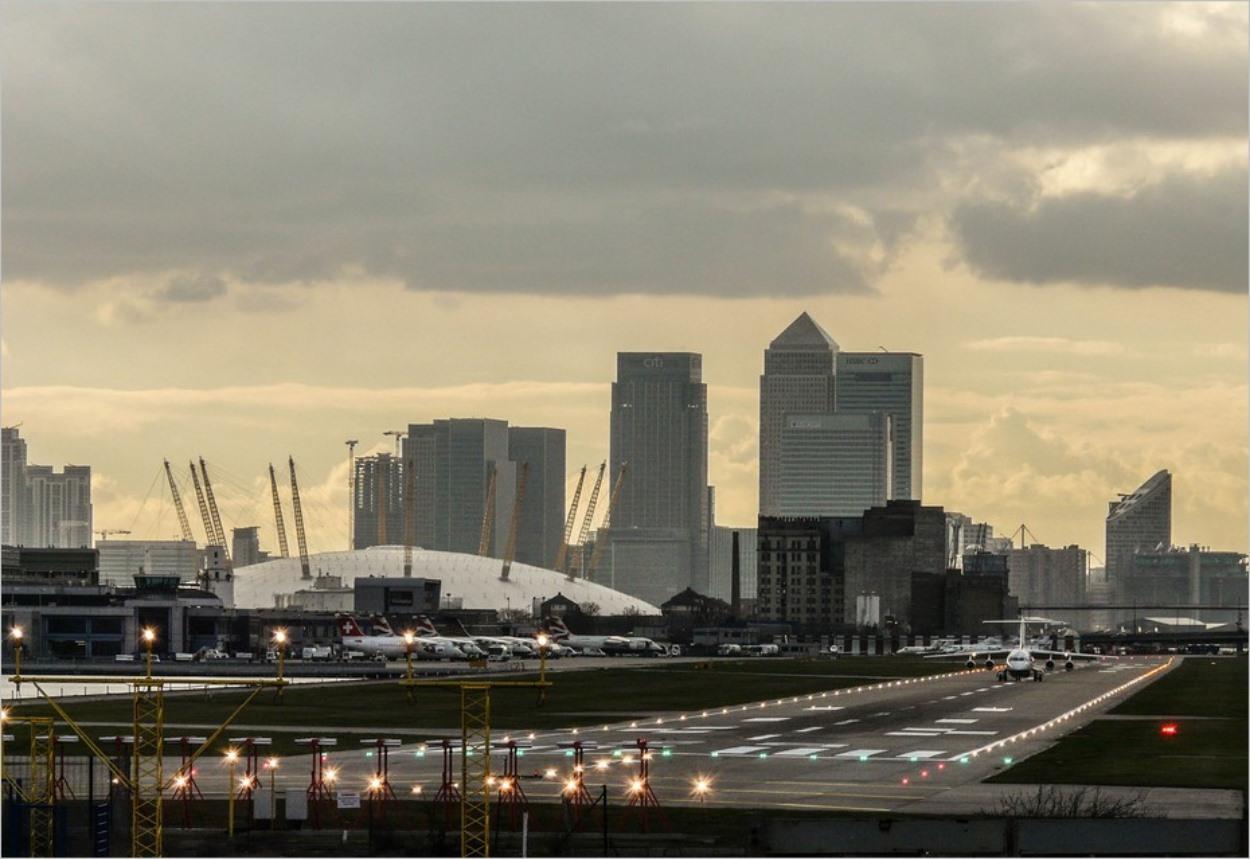 Comment aller de l'aéroport de London City au centre ville de Londres